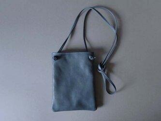 flat shoulder bag (navy)の画像