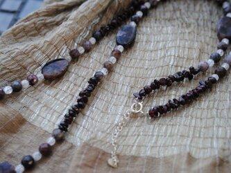 チャロアイトのネックレスの画像