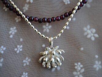 ≪セット≫しろつめ草の花ネックレスの画像