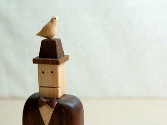 木工インテリア♡鳩と帽子とジェントルマンの画像