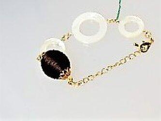 セール!!白蝶貝・茶・シルクサテンボール玉のブレスレット♪の画像