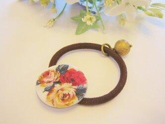 シェルボタンのヘアゴム-Rose Bouquet-の画像