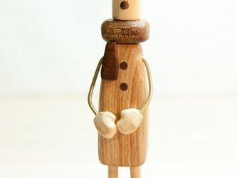 木工インテリア♡マフラーをする人の画像