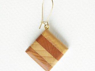 stripe earringの画像