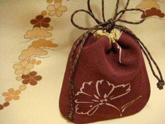 小さな絹の巾着 花の画像