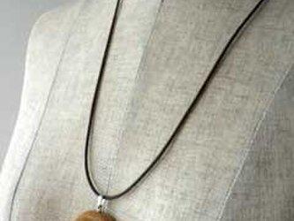 wood ring & rose ペンダントの画像