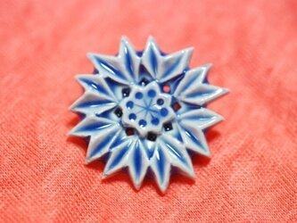 ブローチ薬師草の花 青の画像