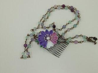 つまみ細工のお花の髪飾りの画像