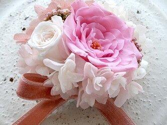 【 ホワイト&ピンク】 コサージュ ピン バラ  プリザーブドフラワー  発表会 結婚式 卒業式 入学式 ヘッドドレス 七五三の画像