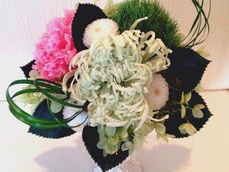 プリザーブドフラワー仏花アレンジメントの画像