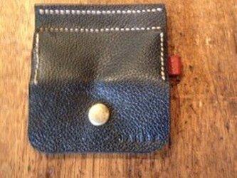 2色のコインケース(黒/赤茶)の画像