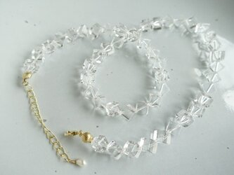水晶のネックレス(キューブ)の画像