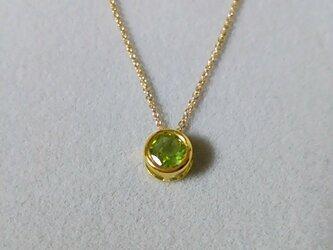 宝石質ペリドットの一粒ネックレス(6ミリ)の画像