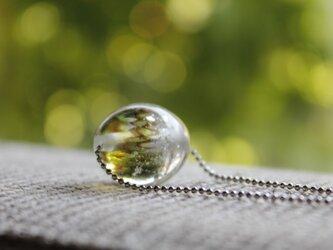 蜻蛉玉のネックレス*モスグリーン(銀箔入)〈A-02〉の画像