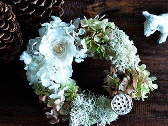 アンティークデザイン【ホワイト】 バラ アジサイ リース 苔 プリザーブドフラワー 母の日ギフト お祝い リングピローの画像