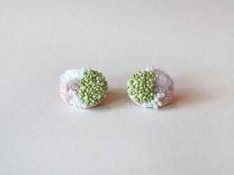 bouquet刺繍ピアス greenの画像