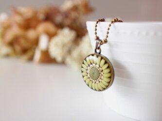 お米のネックレス 緑米の画像