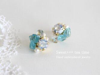 水の妖精★トパーズ・アパタイト・淡水真珠のビジューピアスの画像