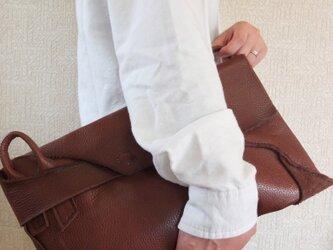 送料無料:革の自然な曲線が目を惹く2WAYショルダーバッグの画像