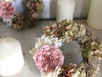 アンティークデザイン【モーブピンク】 バラ アジサイ リース 苔 プリザーブドフラワー 母の日ギフト お祝い リングピローの画像