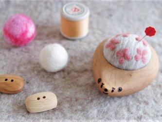 ハリネズミの羊毛ピンクッション【針山】 Hana-Hana ピンクの画像