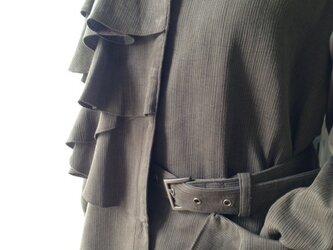 新作 フリルアシメトリージャケットの画像