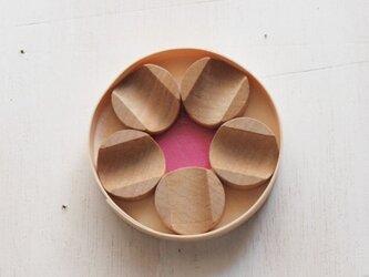 箸置き 梅花 桜材の画像