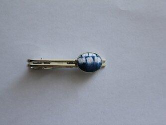 藍染め・折り縫い絞りのネクタイピンの画像