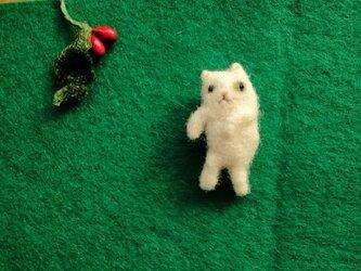 【Y様売約済み】おどるネコのブローチの画像