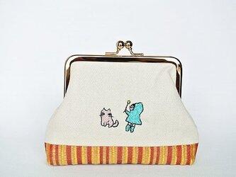 猫じゃらしのひと(エメラルドグリン)/刺繍がま口ポーチの画像