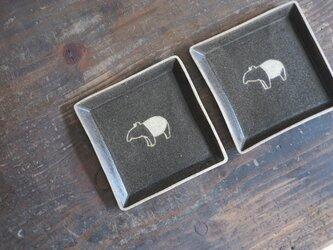 マレーバク柄の四角小皿(黒)の画像