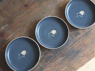 マレーバク柄の小皿(紺)の画像