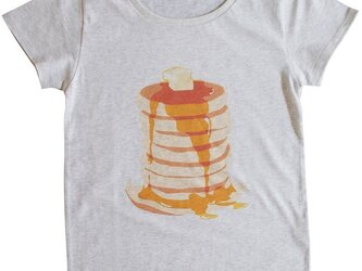 パンケーキハットのTシャツ(オートミール)の画像