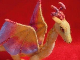 ドラゴン「黄昏」の画像