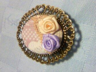 バラの帯留め(紫)の画像
