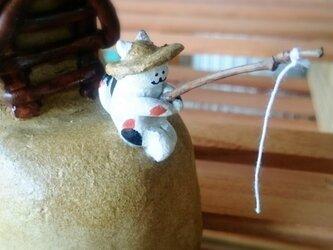 (植木鉢)釣り猫の画像
