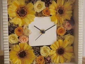 プリザガーベラの花時計の画像