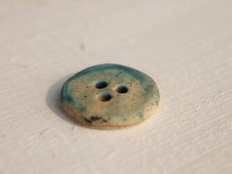 陶器のかわいいボタン 海色1の画像
