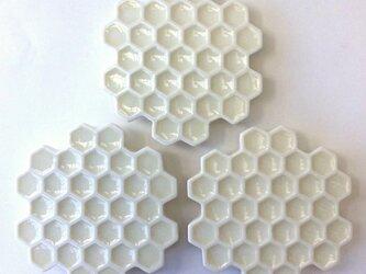 蜂の巣白皿(小)の画像