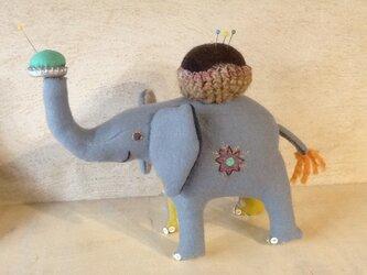 ゾウさんピンクッションの画像