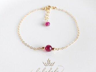 濃密の紅玉~宝石質ルビーのブレスレットの画像