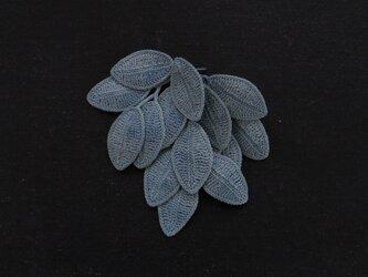 konoha 01/blue ピンブローチの画像