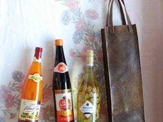ワインのキャリーバッグ オリーブの牛革の画像