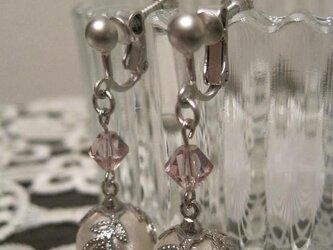 コットンパールのイヤリングの画像