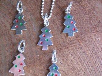 シルバークリスマスツリーペンダントトップの画像