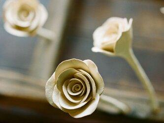 陶器のバラ アロマポットオブジェの画像