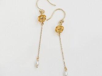 ローズとパールのフリンジピアス(gold)の画像