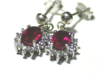 Synthetic spinel pierce earringsの画像