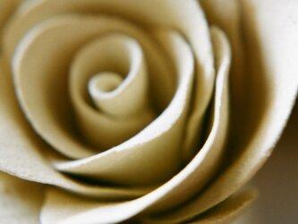 陶器の薔薇のオブジェ ポストカードの画像