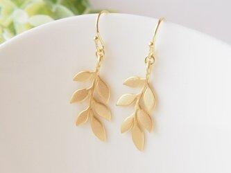 gold leaf*ピアスの画像